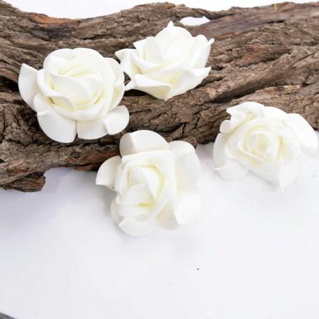 گل رز فومی بزرگ سفید