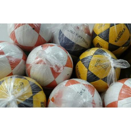 توپ والیبال و فوتبال